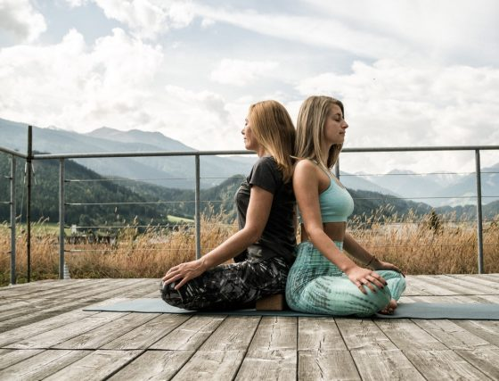 Leonie und Petra YogaGen Yoga Innsbruck