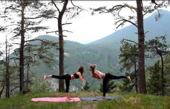 Flow mit Kriegerpositionen YogaGen