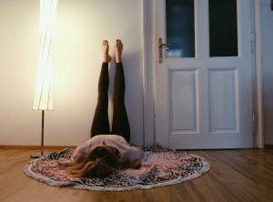 YogaGen Entspannende Asanas Viparita Karani
