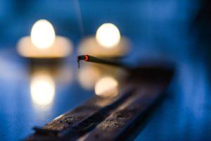 Kerze Rauhnächte räuchern