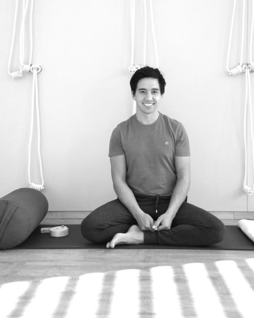 Marco Laengst Yoga und Yogatherapie Innsbruck auf Yogagen